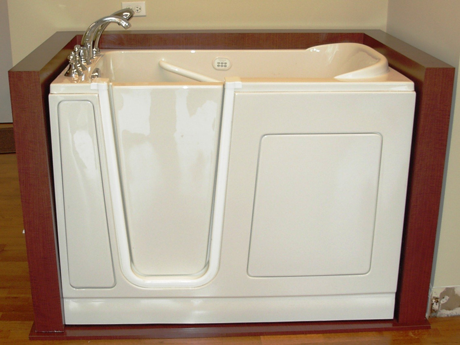 Safety tubs offer individuals the ability to maintain a safe lifestyle, as well as regain their independence