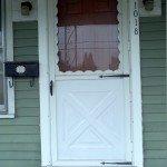 011_door_before