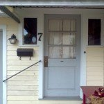 012_door_before
