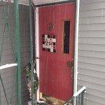 018_door_before