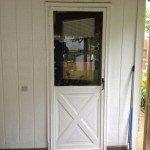 019_door_before