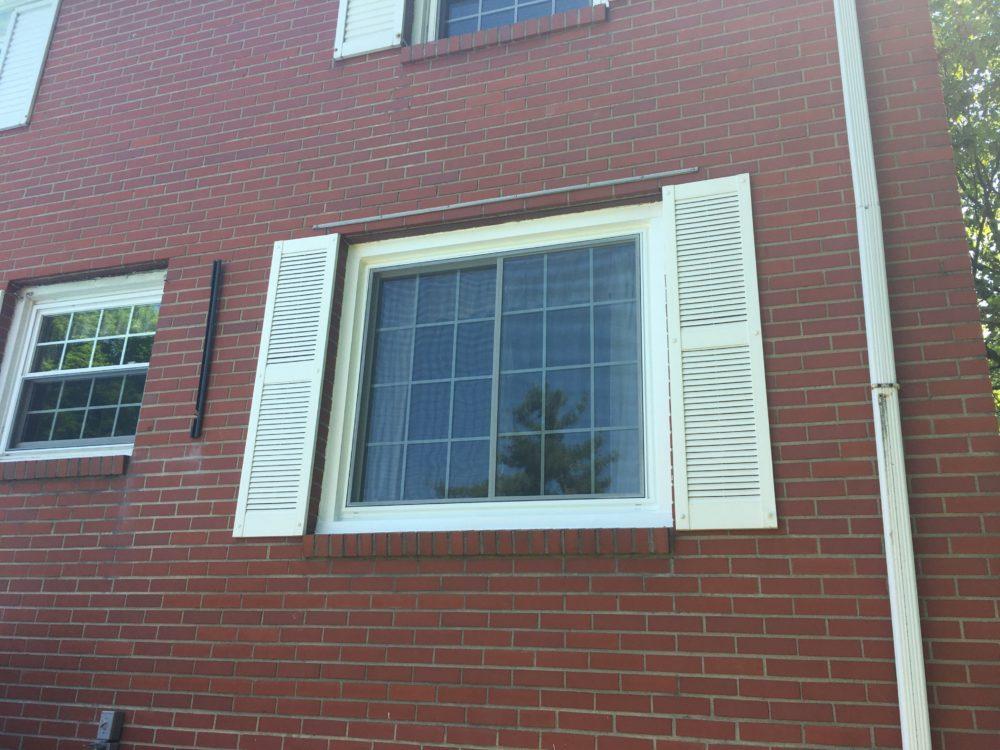 jerome window w grids and brick